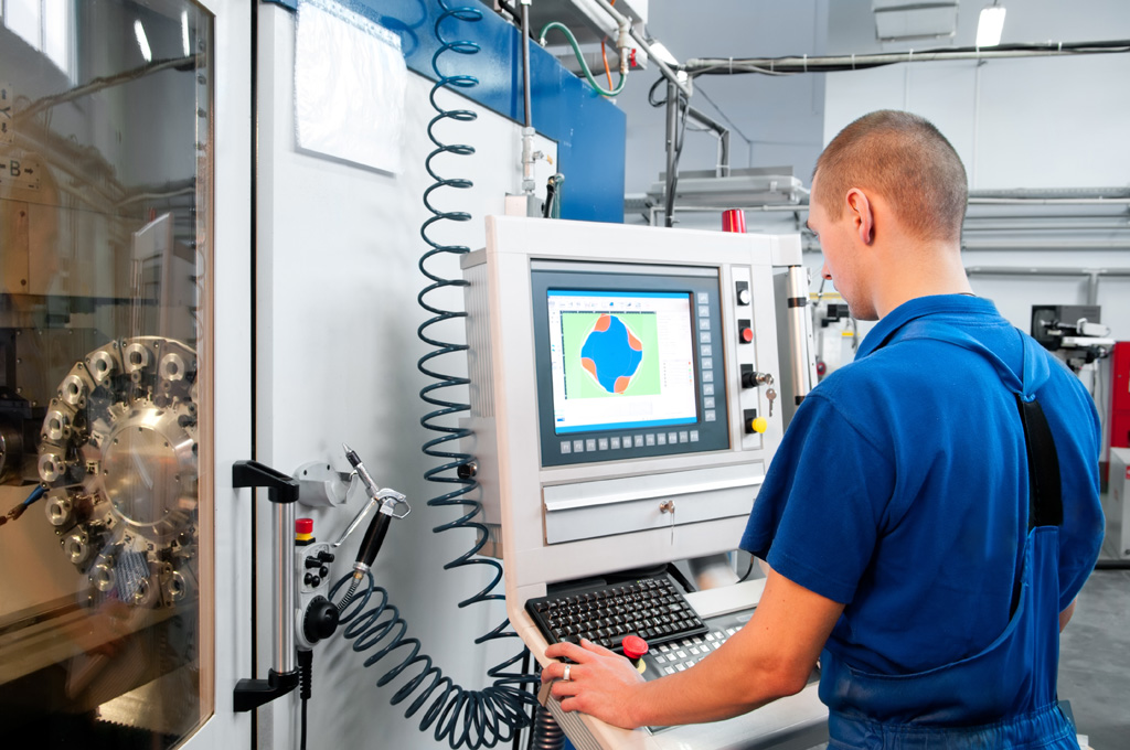 Federal grant will provide advanced manufacturing training for local residents